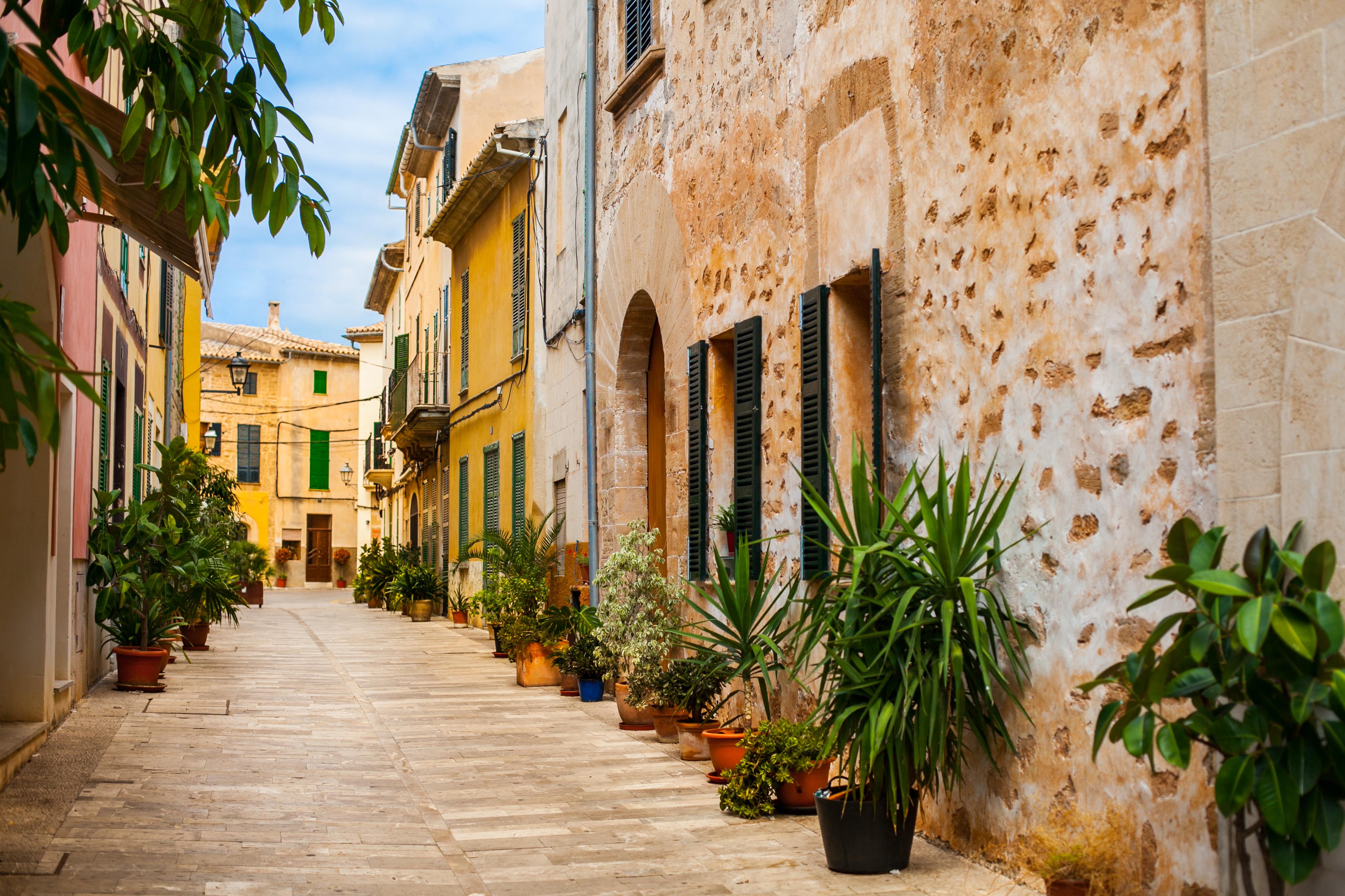 Alcudia Old Town Mallorca Arrivalguidescom