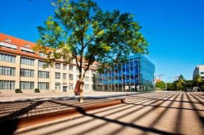 ZKM l Zentrum für Kunst und Medientechnologie