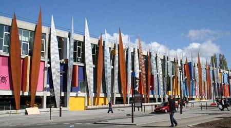 Shopping center, the Centre Beaulieu