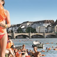 6 Swimsuits – the typical summer outfit in Basel.