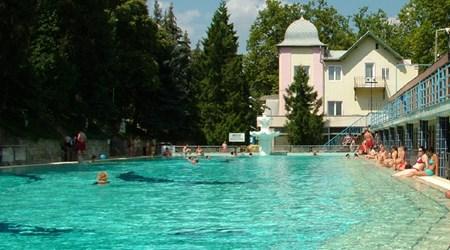 Csillaghegyi Baths