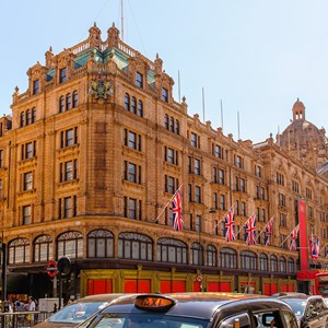 View of famous department store / Richie Chan/Shutterstock.com