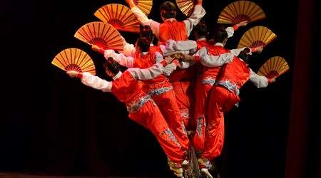 Acrobats at The Dream like Lijiang Theatre