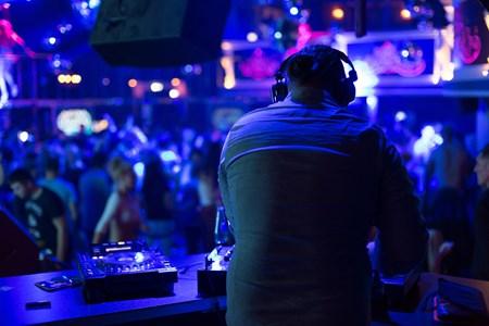 W night club