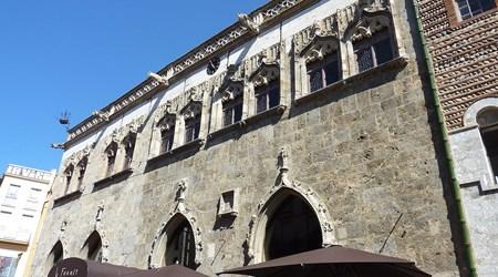 Loge De Mer (Town Hall)