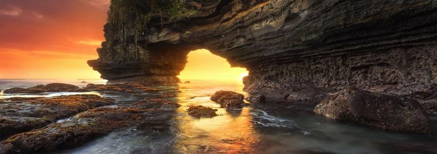 Sunset at Batu Bolong & Tanah Lot - Bali, Indonesia