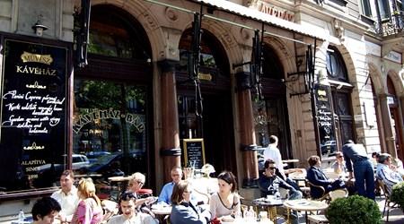 Művész Cávéház (Artists' Café)