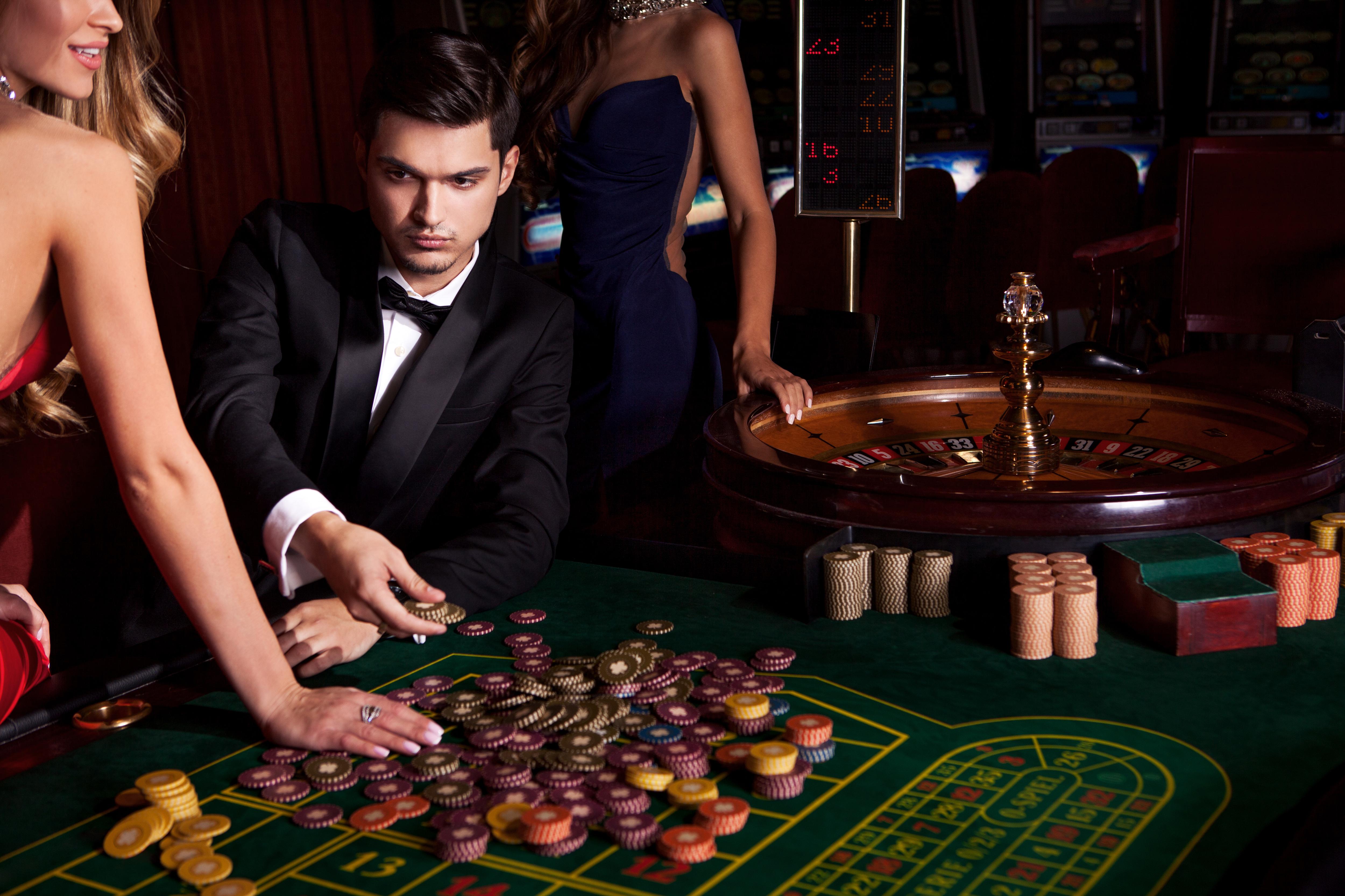 игра казино с мужиком на лодке