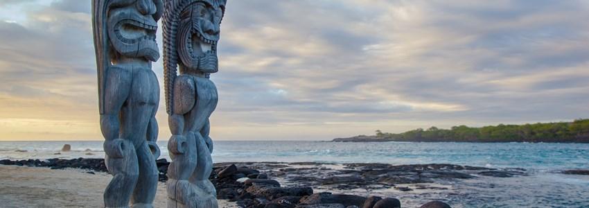 Wooden Hawaiian statues in Pua??uhonua o Honaunau National Historical Park, Big Island, Hawaii