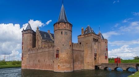 Castles & Lakes