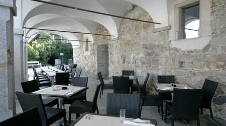 Na Gradu Restaurant