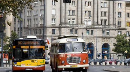 City cruises in old cars from communist times