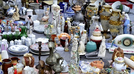 Osu Kannon Antiques Market