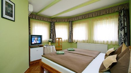 Cecey Guesthouse & Apartment House