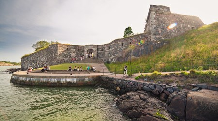 Guided tour at Suomenlinna