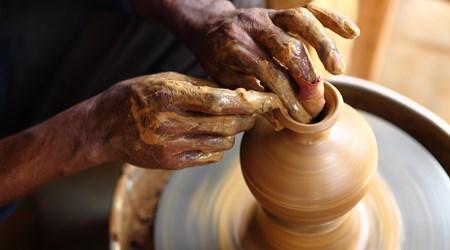Limpertas Manolis Pottery (Naxos Town)