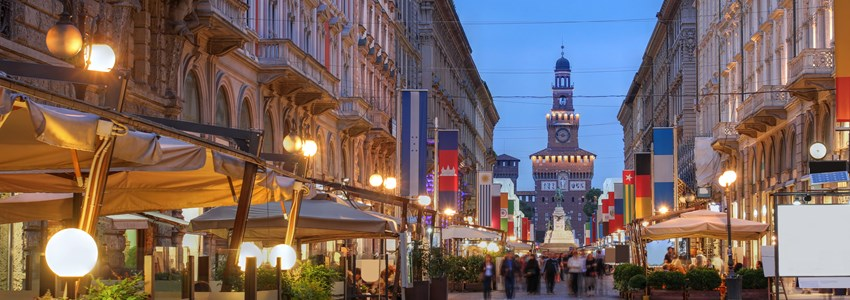 Sunset on Via Dante, one of the major pedestrian avenues in Milan,