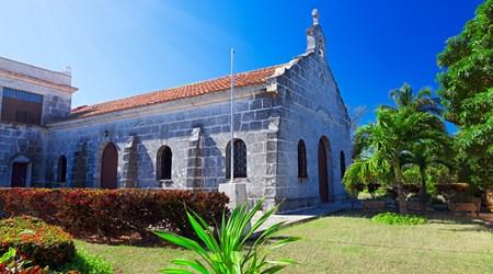 Parque Central & Iglesia de Santa Elvira