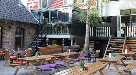 Long John's Pub