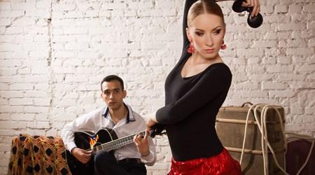 Kino Café & Flamenco Bar
