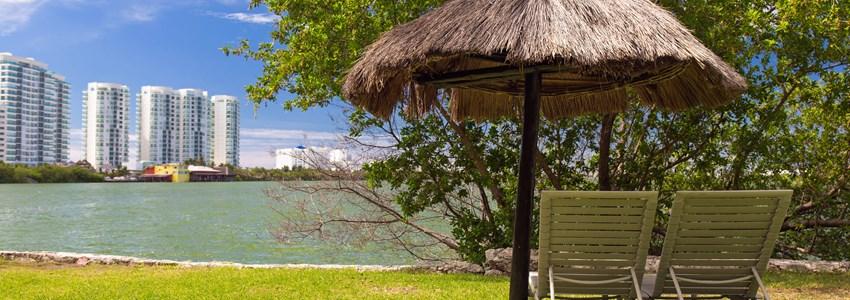 Tropical lake Nichupte lagoon, Cancun, Mexico