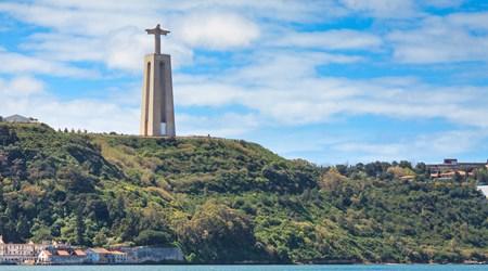 Cristo Rei Statue