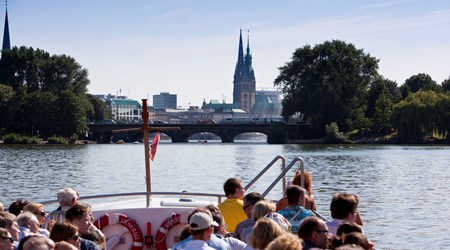 Boat Trips around the Harbor and Speicherstadt