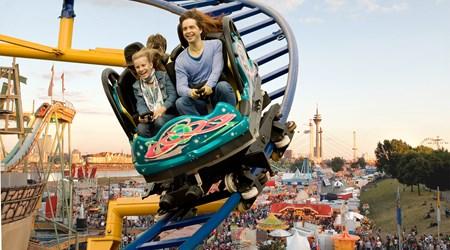 Biggest fun fair on the Rhine