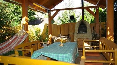 Kedves (Kind) Guesthouse