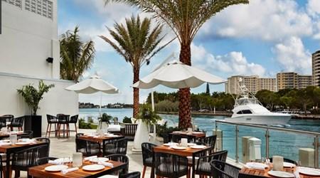 Waterstone Bar & Grill - Waterstone Resort & Marina