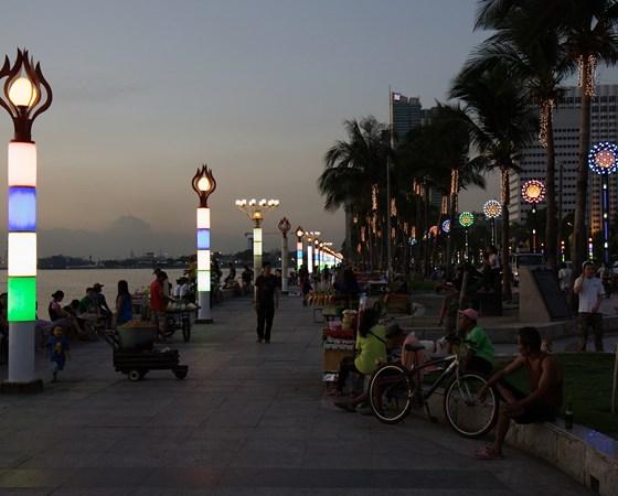 Manila-Baywalk_09160rt