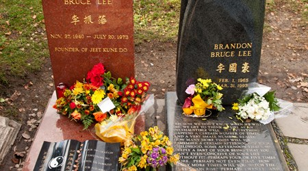 Brandon Lee and Bruce Lee's Grave Site