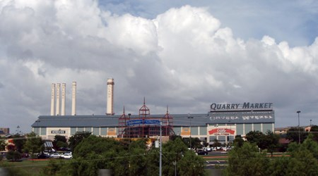 Alamo Quarry Market