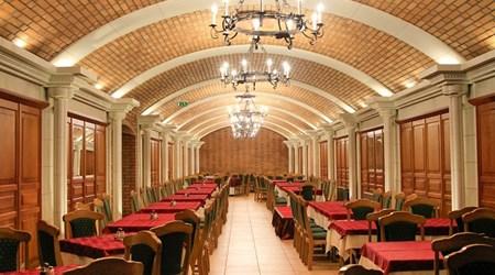 Ködmön Tavern and Wine Restaurant