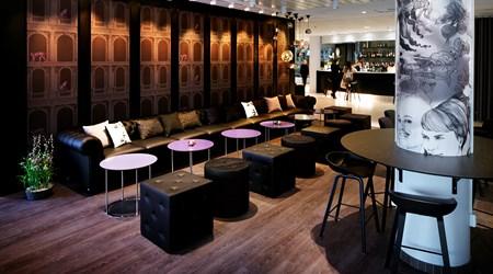 Hotel Plaza Lobby Bar