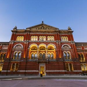 Victoria and Albert Museum architecture / Martin Hesko/Shutterstock.com