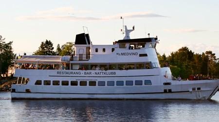 Archipelago tour with M/S Medvind