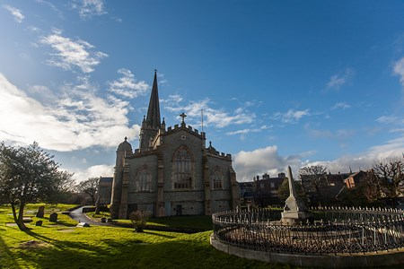 Saint-Columb's-Cathedral-and-Chapter