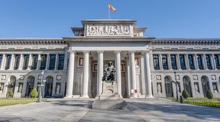 The Three Big Art Galleries - Paseo del Arte (Art Walk)