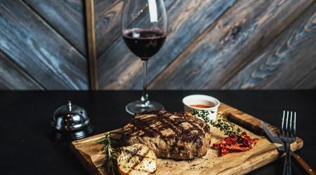 Beef & Wines