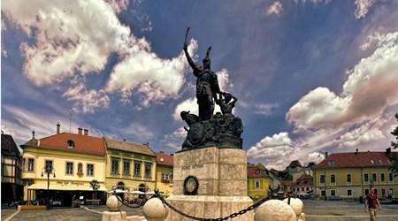 Main Square – Dobó Tér