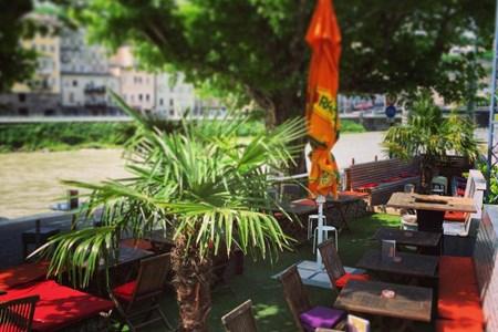 Monkeys-cafe.bar