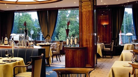 """""""first floor"""" in the Hotel Palace Berlin"""
